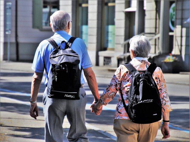 Чи справді сімейний стан впливає на щастя: відповідь учених - фото 419345