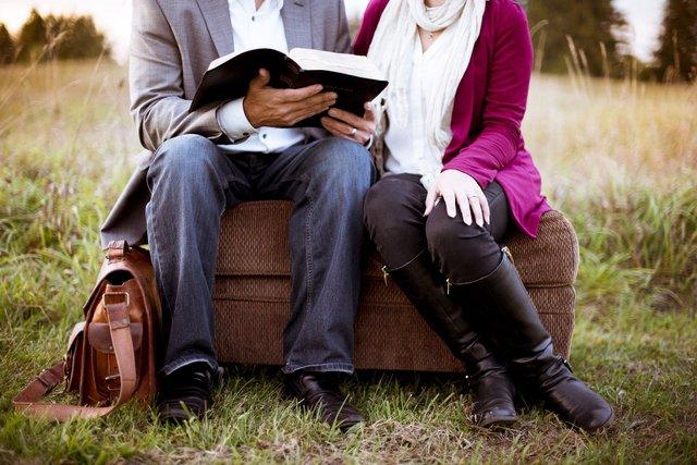 Чи справді сімейний стан впливає на щастя: відповідь учених - фото 419346