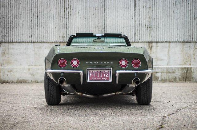 З молотка пустять 51-річний Chevrolet Corvette в ідеальному стані - фото 419445
