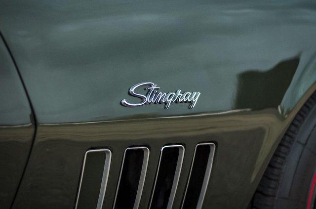З молотка пустять 51-річний Chevrolet Corvette в ідеальному стані - фото 419448