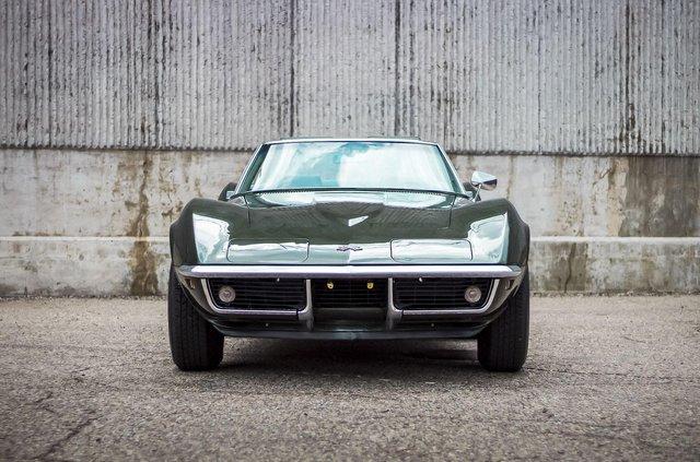 З молотка пустять 51-річний Chevrolet Corvette в ідеальному стані - фото 419449