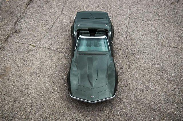 З молотка пустять 51-річний Chevrolet Corvette в ідеальному стані - фото 419450
