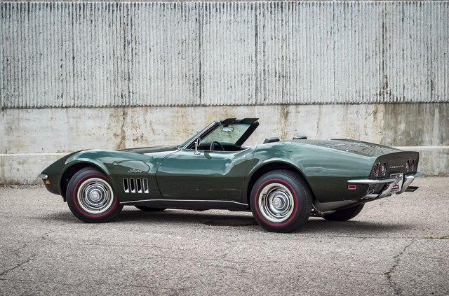 З молотка пустять 51-річний Chevrolet Corvette в ідеальному стані - фото 419452