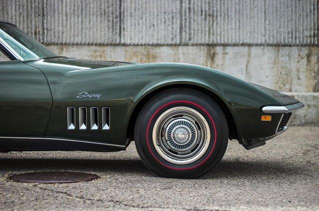 З молотка пустять 51-річний Chevrolet Corvette в ідеальному стані - фото 419453