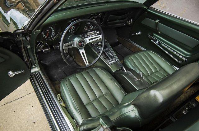 З молотка пустять 51-річний Chevrolet Corvette в ідеальному стані - фото 419454