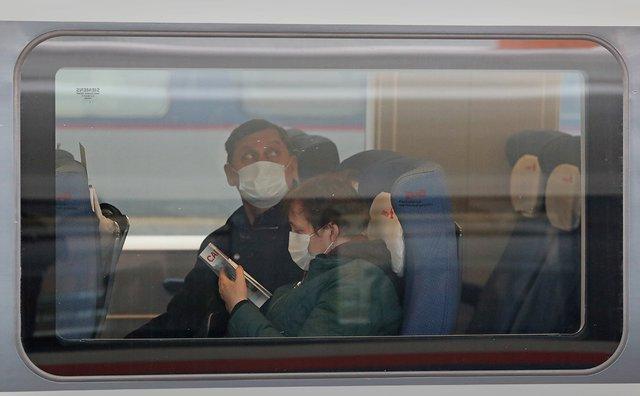 Які шанси заразитися на COVID-19 у поїзді - фото 419506
