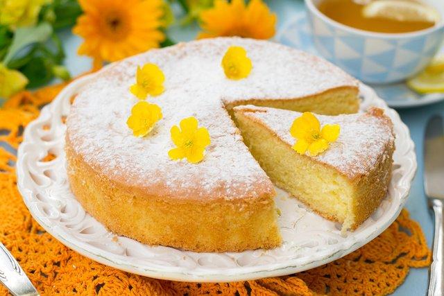 Як приготувати ідеальний пишний бісквіт для тортів - фото 419821