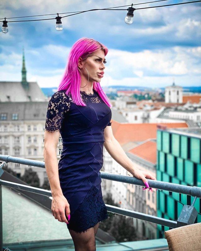 Фотограф з Чехії перетворився у ляльку Bratz завдяки пластиці (фото) - фото 420330