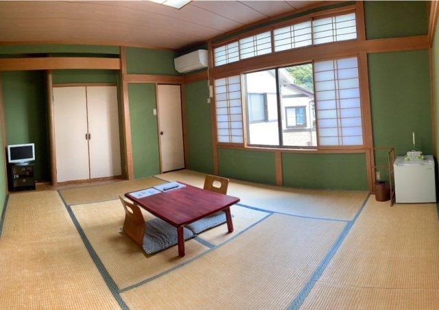 Готель у Японії пропонує орендувати на ніч кота - фото 421205