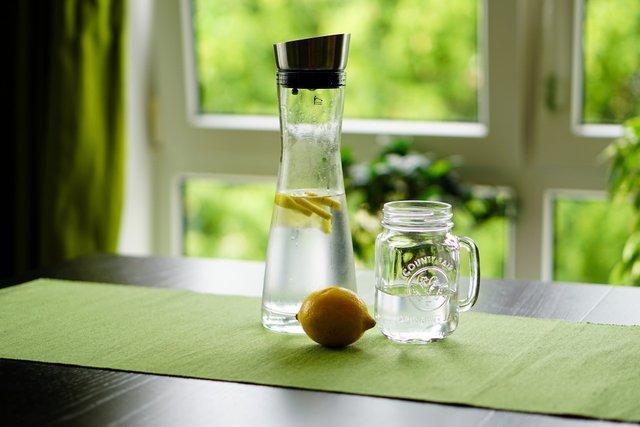 Як склянка води вранці впливає на організм: відповідь вчених - фото 422234