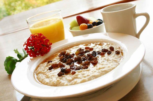 Дієтолог пояснила, чому не можна снідати однією кашею - фото 422601
