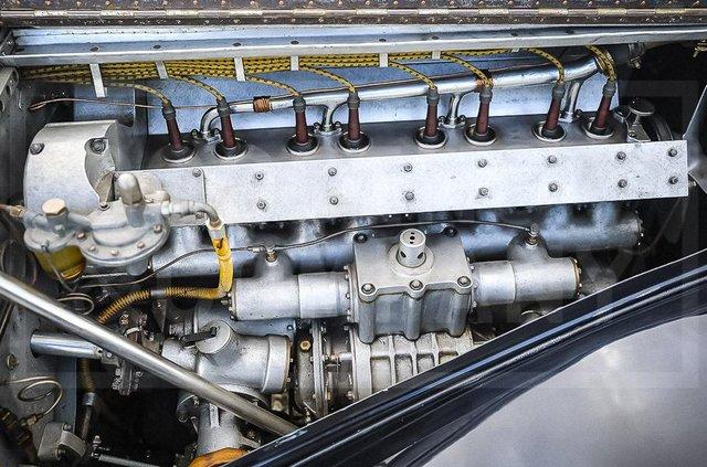 З молотка пустять 83-річний Bugatti з 220-сильним двигуном: його ціна космічна - фото 422625