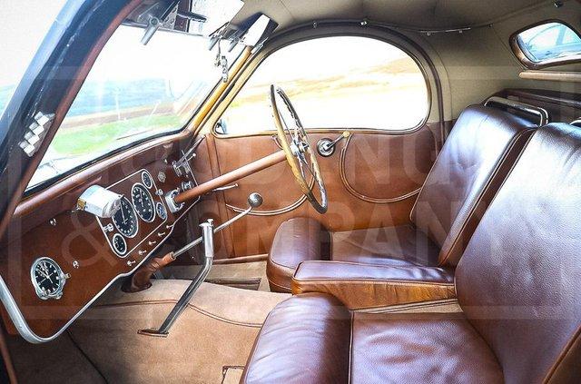 З молотка пустять 83-річний Bugatti з 220-сильним двигуном: його ціна космічна - фото 422627
