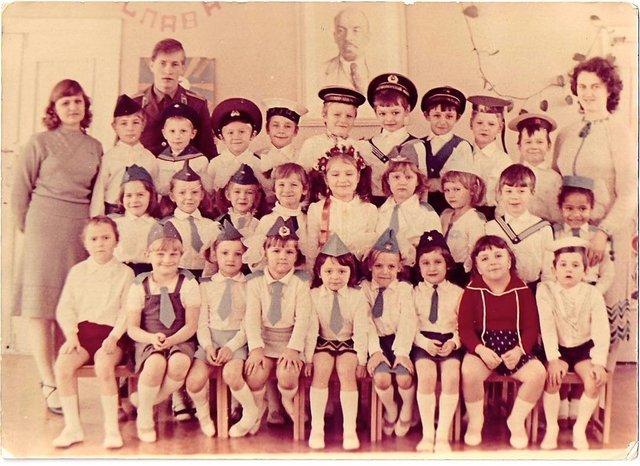 Остапчук веде дочку в перший клас, а Ivan NAVI згадує шкільні роки: зіркова фотодобірка - фото 423121