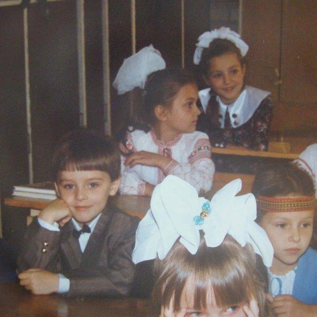 Остапчук веде дочку в перший клас, а Ivan NAVI згадує шкільні роки: зіркова фотодобірка - фото 423125