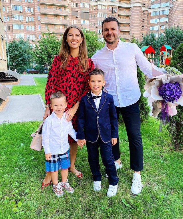 Остапчук веде дочку в перший клас, а Ivan NAVI згадує шкільні роки: зіркова фотодобірка - фото 423148