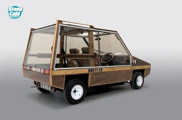 На торги виставлять рідкісний дерев'яний автомобіль від дизайнера Aston Martin - фото 423381