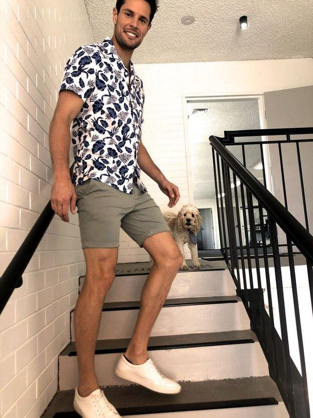 З чим носити і як поєднувати сорочки чоловікам: 10 модних ідей у фото - фото 423509