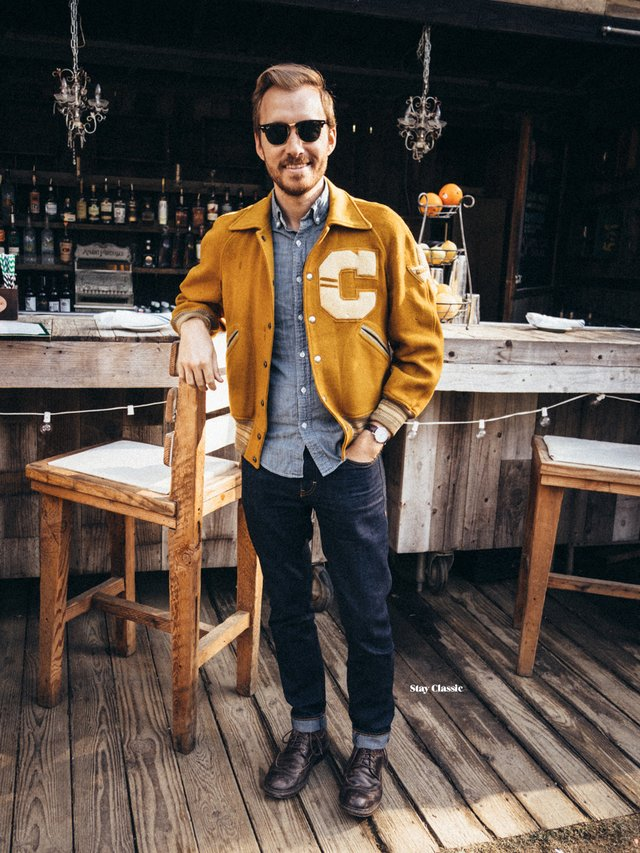 З чим носити і як поєднувати сорочки чоловікам: 10 модних ідей у фото - фото 423511