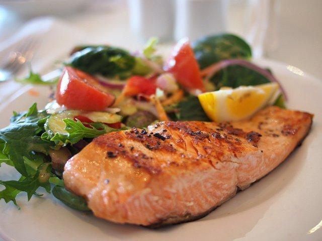 Експерти розповіли, які продукти не бажано їсти після тренувань - фото 423599