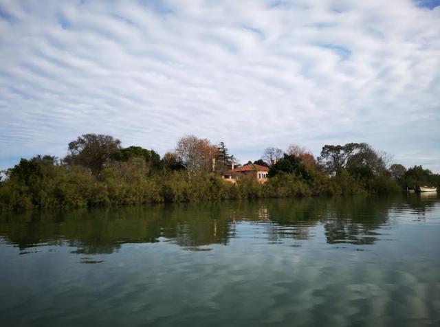В Італії пропонують орендувати острів за 3 тисячі гривень - фото 423705