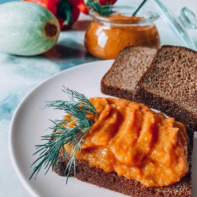 Кабачкова ікра на зиму: рецепти консервації в домашніх умовах - фото 423795