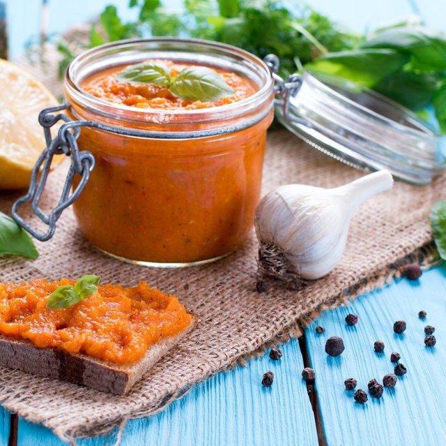 Кабачкова ікра на зиму: рецепти консервації в домашніх умовах - фото 423796