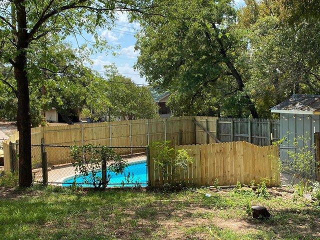 Чоловік планував продати будинок, але знахідка на задньому подвір'ї змусила передумати - фото 423997