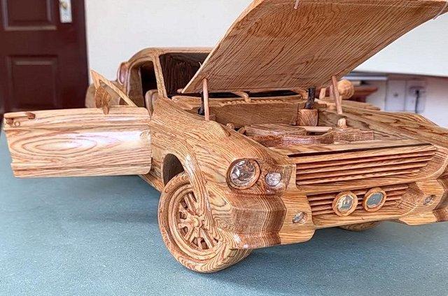 Як виглядає точна копія Ford Mustang 1967 року з дерева - фото 424181