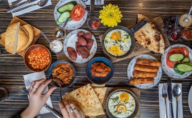 Спеціаліст назвав варіанти ідеальних сніданків для схуднення - фото 424208