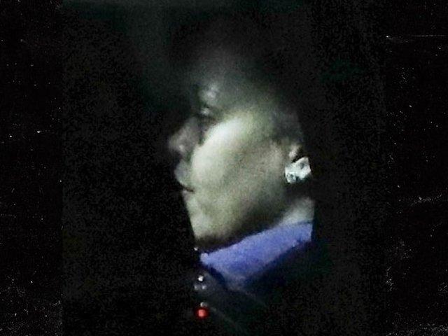 Папараці зняли Ріанну з синцями на обличчі: що сталося - фото 424262