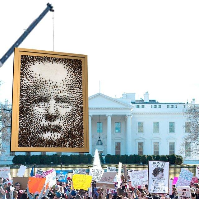 Митець зі США виклав портрет Трампа з фалоімітаторів: це треба бачити - фото 424339