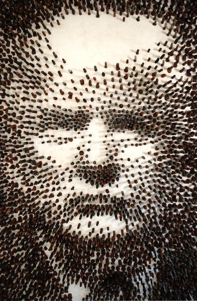 Митець зі США виклав портрет Трампа з фалоімітаторів: це треба бачити - фото 424340