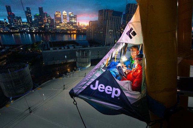 Jeep відкрив найекстремальніший мотель у світі: аж дух перехоплює - фото 424493