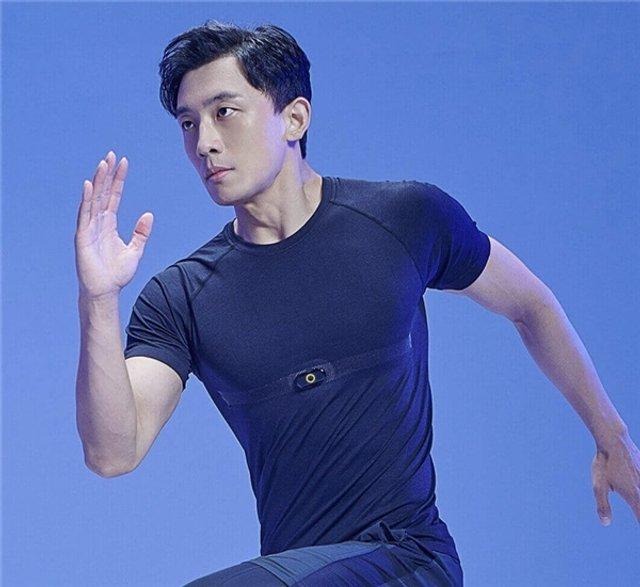 Xiaomi випустила футболку, яка вимірює пульс - фото 424543