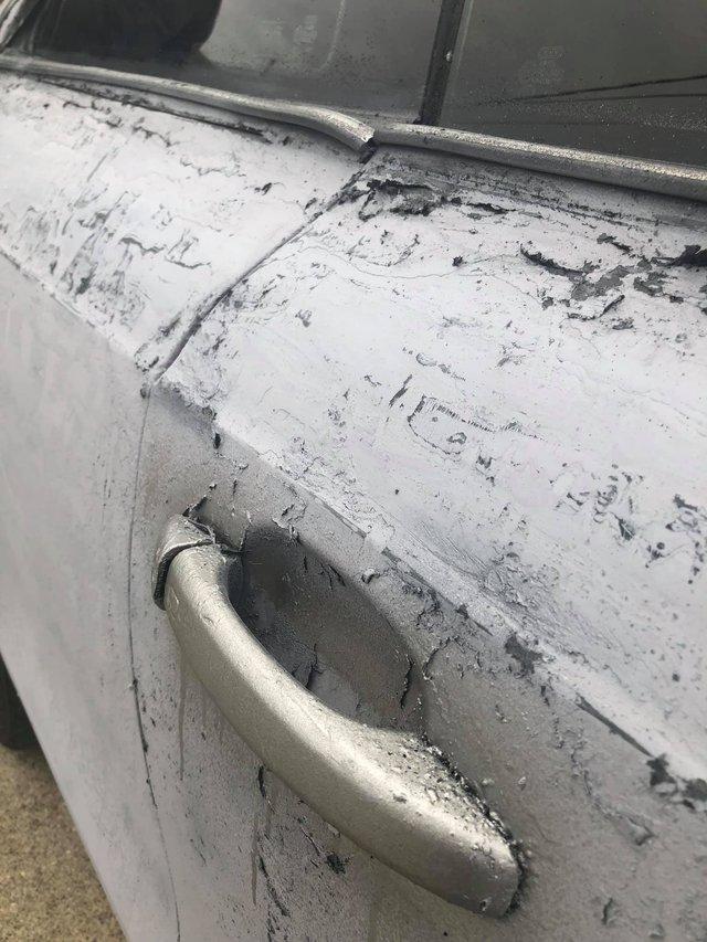 Власник Audi зіпсував свою машину у спробі поміняти колір кузова: епічні фото - фото 424611
