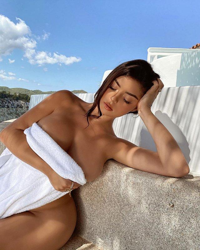 Зухвало-сексуально: Демі Роуз підірвала мережу голими фото (18+) - фото 424623