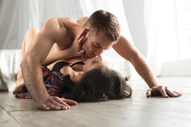 Регулярний секс зміцнює імунітет - фото 424742