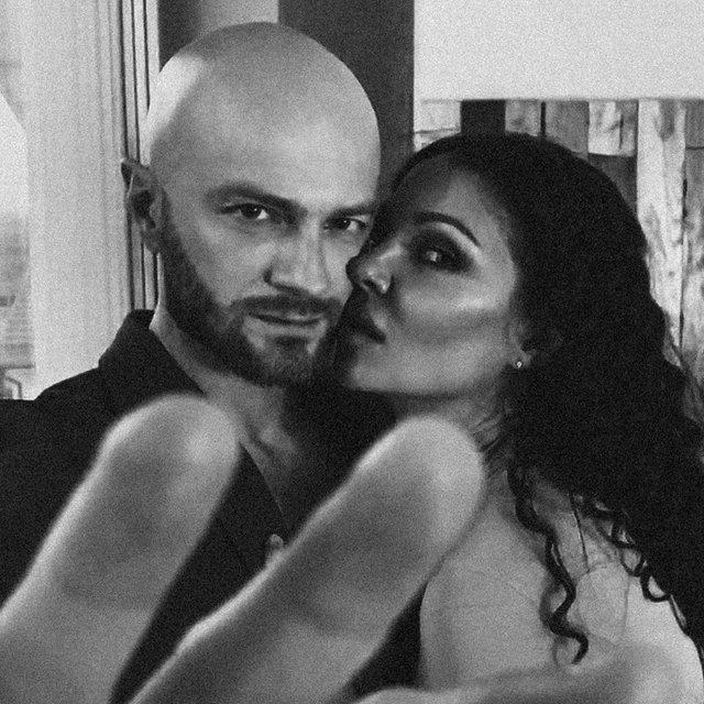 Влад Яма підкорив мережу чуттєвим фото з дружиною - фото 425213