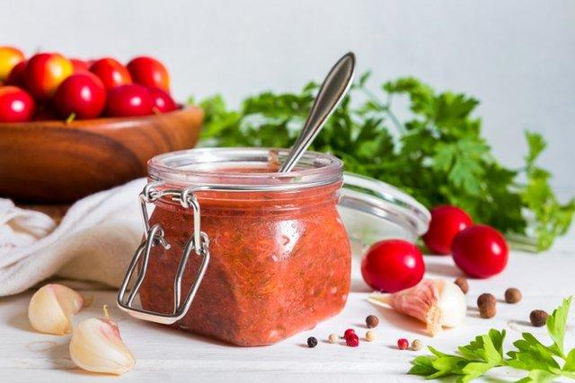 Ткемалі зі слив та аличі на зиму: прості рецепти грузинського соусу - фото 425529
