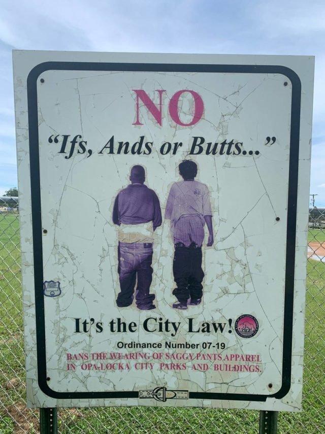 У місті штату Флорида знову дозволили спускати штани: заборона тривала 13 років - фото 425619