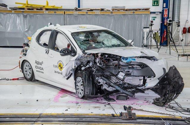Toyota Yaris – перша машина, яка пройшла краш-тест за новими правилами: що змінилося - фото 425962