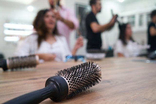 Довірте своє волосся професіоналам - фото 426089