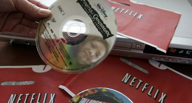 Скільки людей по цей час орендують DVD-диски у Netflix: шокуючі цифри - фото 426099