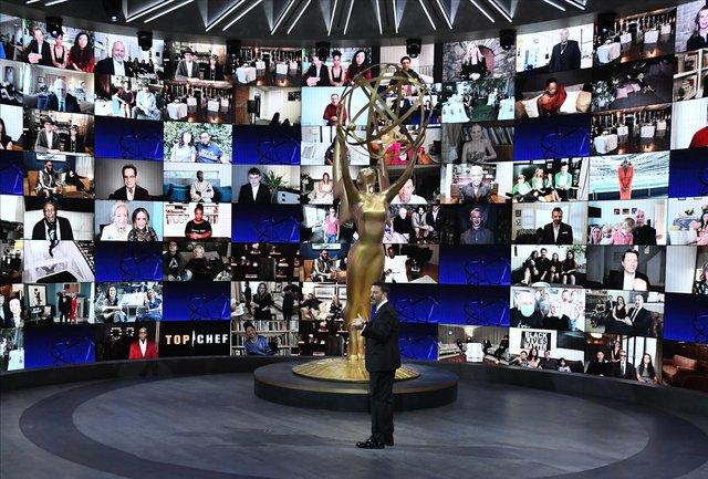Церемонія вручення Еммі проходила онлайн - фото 426484