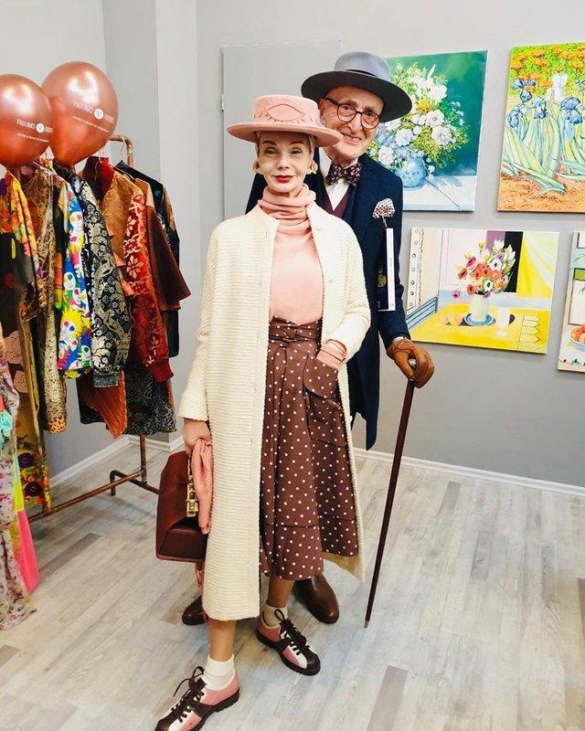 Активна пара пенсіонерів захоплює мережу своїми стилем життя та модними образами - фото 426554