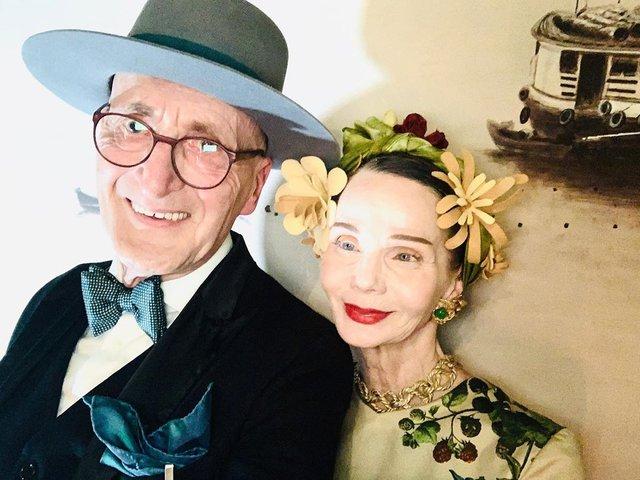 Активна пара пенсіонерів захоплює мережу своїми стилем життя та модними образами - фото 426555