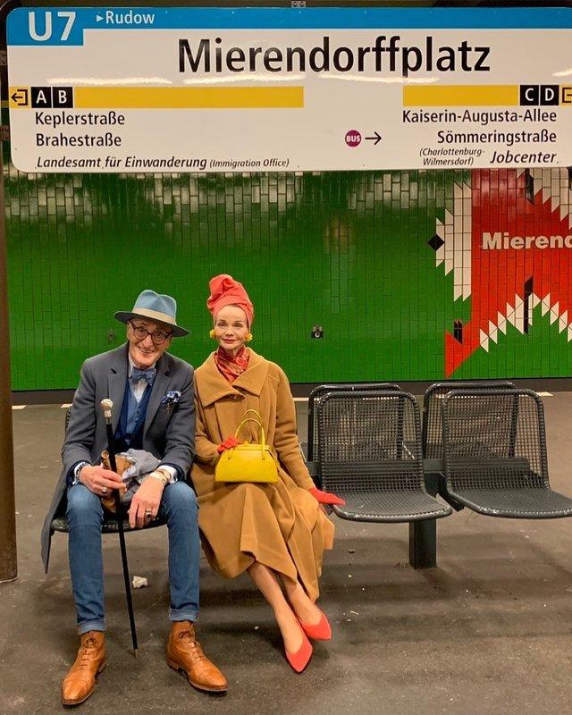 Активна пара пенсіонерів захоплює мережу своїми стилем життя та модними образами - фото 426556