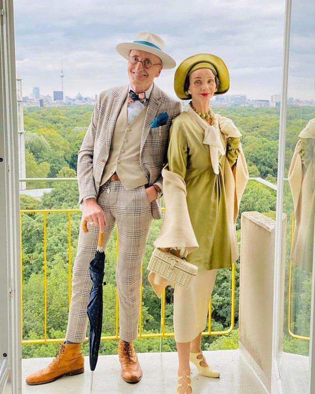 Активна пара пенсіонерів захоплює мережу своїми стилем життя та модними образами - фото 426558