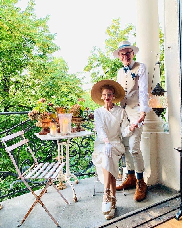 Активна пара пенсіонерів захоплює мережу своїми стилем життя та модними образами - фото 426562